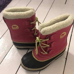 Sorel girls boot- pink and green